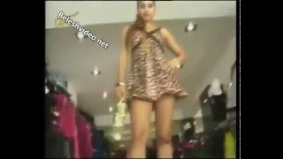 Amazing Girl Under Skirt - Etek Altı Frikik Müthiş Bacaklar