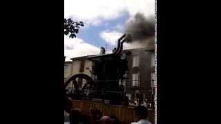 vidéo d'un moteur fixe a forte carrure