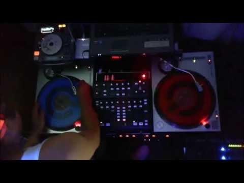 JOYITAS CUMBIAMBERAS DJ AZTECA  IN THE  MIX