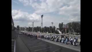 Крестный ход, ул.Оборонная, Луганск(, 2014-06-14T18:09:04.000Z)