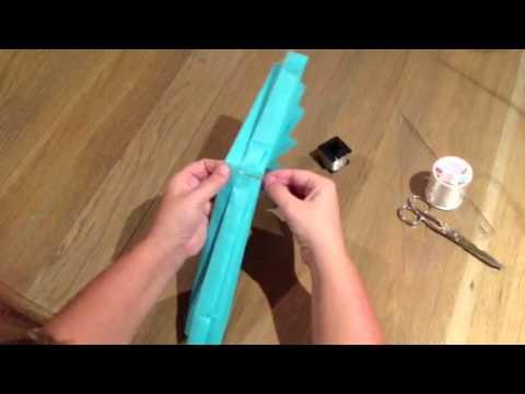Como hacer pompones de papel 3 youtube - Como hacer pompones ...
