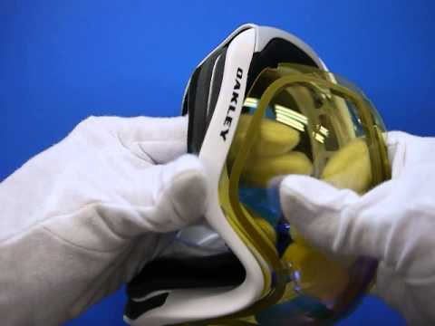 46825c9f080 Oakley Canopy snow goggle - changing steps - YouTube