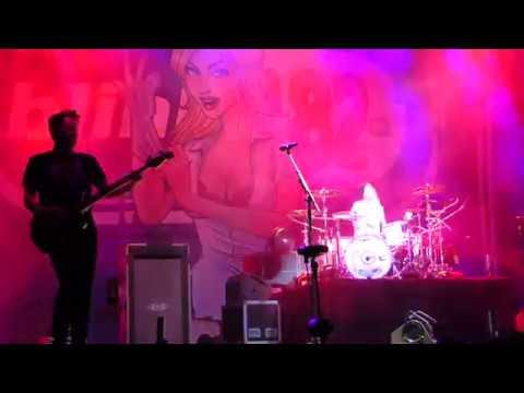 Blink-182 - Mutt - Live @ Back to the Beach Festival ...