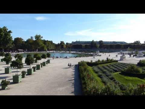 Paris - From Jeu de Paume in jardin des Tuileries ( garden )