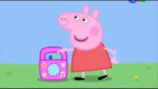 Свинка танцует