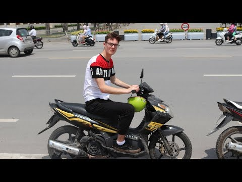 RIDING MOTORBIKES IN HANOI
