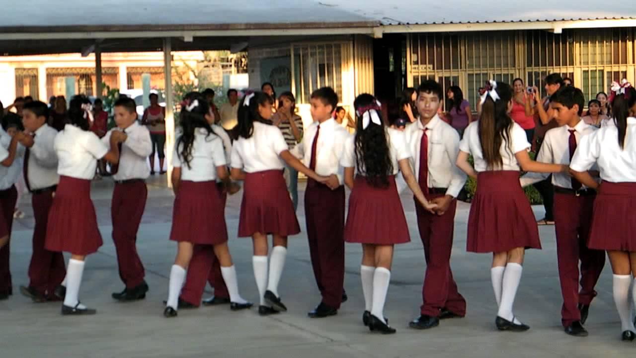 Peinados Para Clausura De Primaria   apexwallpapers.com