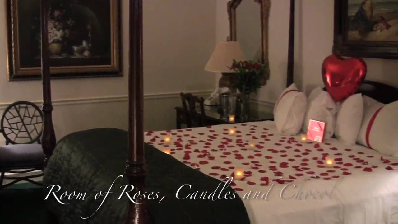 Decorate A Romantic Hotel Room Romantic Room Designs Anywhere In - Romantic bedroom setup ideas