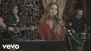 Gambar cover Jessie James Decker - You're Still the One (Live from Blackbird Studios)