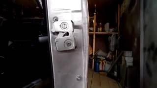 видео Бесшумные замки установка Ваз 2104-2105-2107