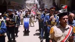 الألاف يشيعون جنازة أمين الشرطة عبد المنعم الحنفي بالدقهلية