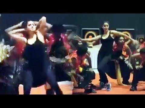 Katrina Kaif Dance On Chikni Chameli | Dream Team Tour Rehearsals