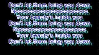 Beautiful People - Chris Brown feat. Beny Bennassi [Lyrics on screen]