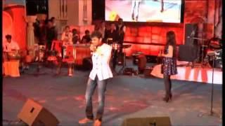 Radha Tera Thumka by Shreya Ghoshal Live in Concert at Dharwad Utsav 2013 Dec15
