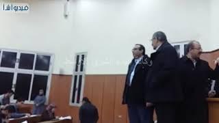 بالفيديو .. رئيس جامعة بنها يتفقد إمتحانات الطب البيطرى بمشتهر