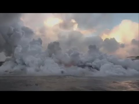 Toxic chemical cloud spews from Hawaii volcano