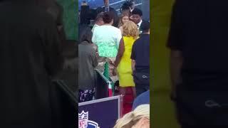 Lamar Jackson Mama On The Red Carpet 2018 Nfl Draft
