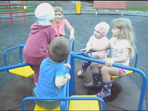 Идём гулять во двор, Алиса как Свинка Пеппа, игрушка Фёрблинг Кристалл