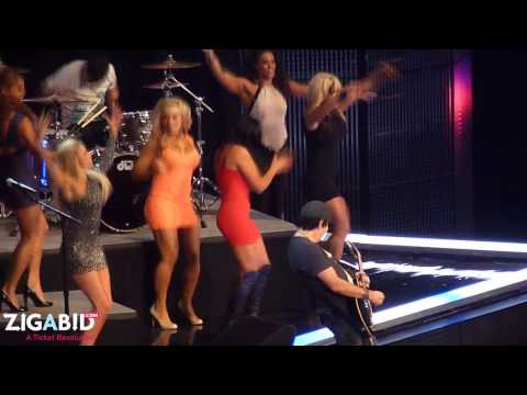 Kevin Rudolf performs Don't Give Up at Summerslam 2012 w/ WWE Divas!