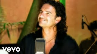 Watch Ricardo Arjona Te Enamoraste De Ti video