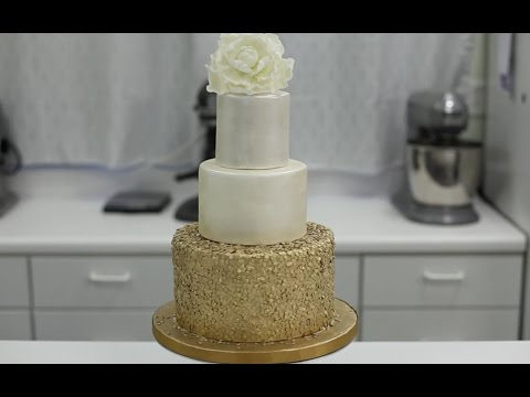 how-to-decorate-a-cake-with-gold-sequins