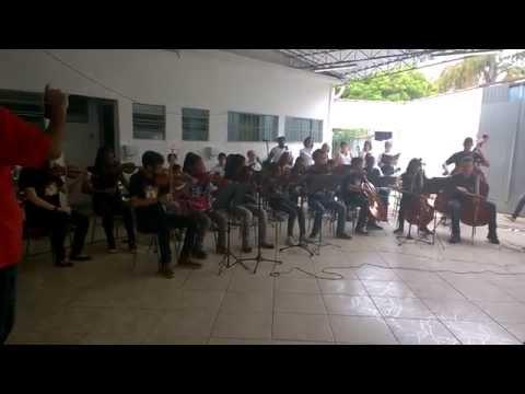 IMFLA - Instituto de Música Francisco Luz de Assis - Alunos da Orquestra de Cordas