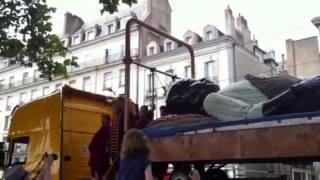 Le départ des Géants de Royal de luxe