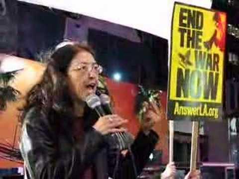 Gloria La Riva speaks to L.A. antiwar demo