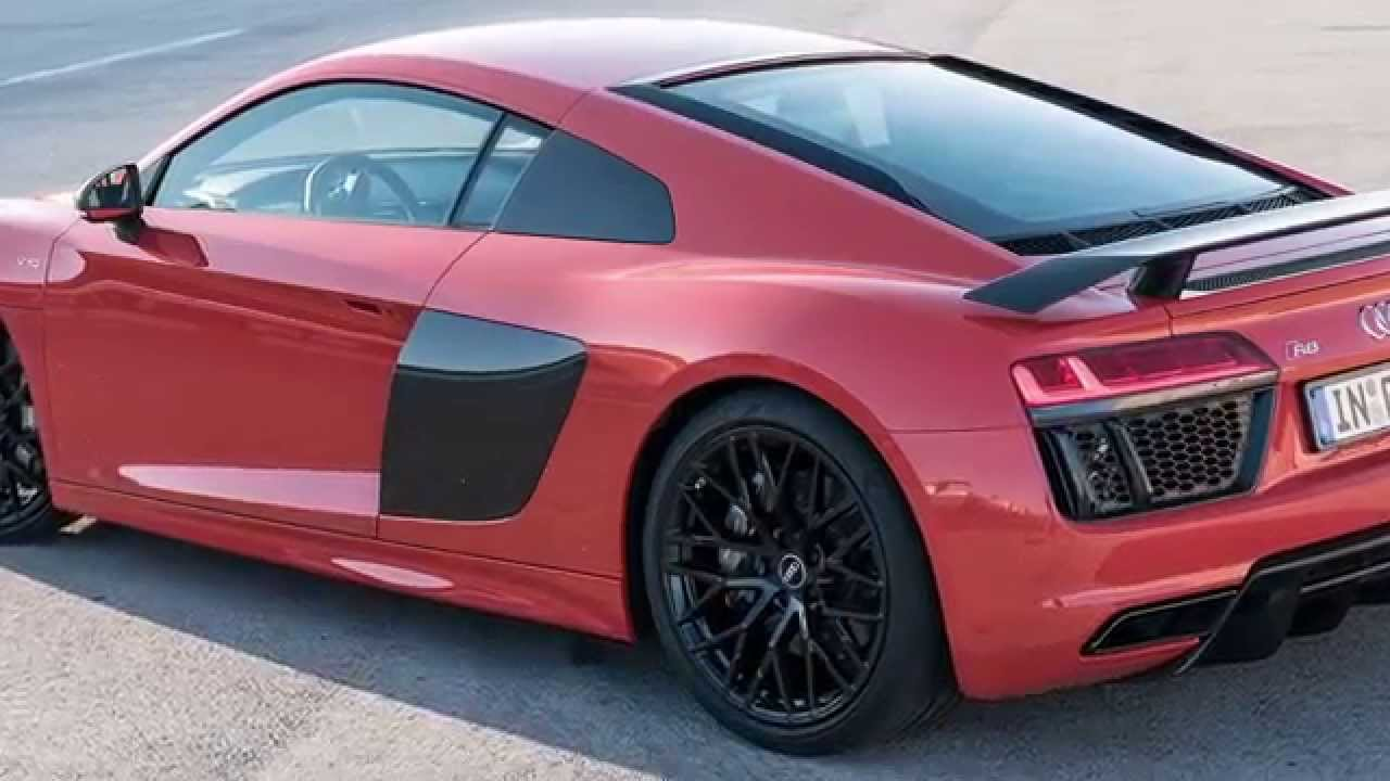 2017 Audi R8 Vs 2015 Bmw I8 Youtube