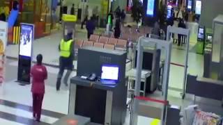 Монтаж всех записей с камер видеонаблюдения в аэропорту Казани.(, 2016-12-23T07:44:52.000Z)