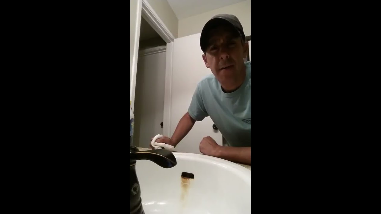 best way to remove rust stain from porcelain sink youtube. Black Bedroom Furniture Sets. Home Design Ideas