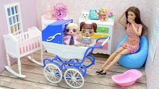 КАК МЫ БУДЕМ С ЭТИМ ЖИТЬ? Сестрички Стали Куклами #ЛОЛ Мультик #Барби Игрушки LOL Для девочек