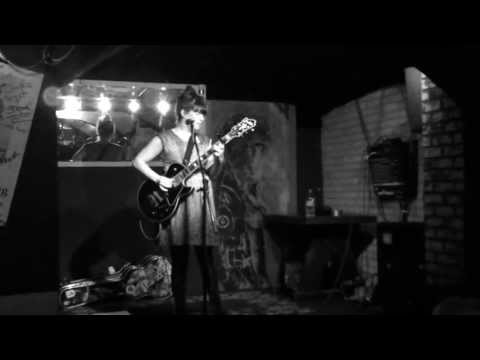 Julie Doiron - Snowfalls in November - live Munich 2013-05-18