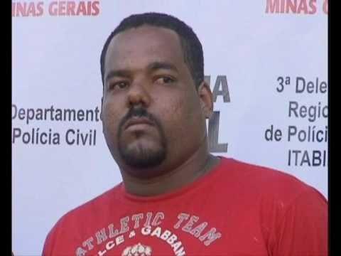 """POLICIA CIVIL PRENDE O """"""""CHEFE"""""""" DO TRAFICO DE DROGAS  DE ITABIRA (MITA) UM MITO .wmv"""