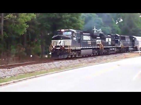 Norfolk Southern northbound through Morrow, GA, 4-21-2016