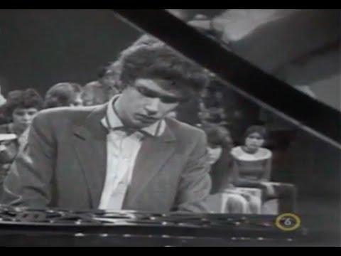 Zoltan Kocsis plays Bach Art of Fugue, Contrapunctus 2 - video 1973