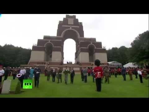 Commémorations de la bataille de la Somme avec Hollande et la famille royale (Direct du 01.07.16)