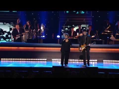 """Mavis Staples & Johnny Lang-""""Gotta Serve Somebody"""""""