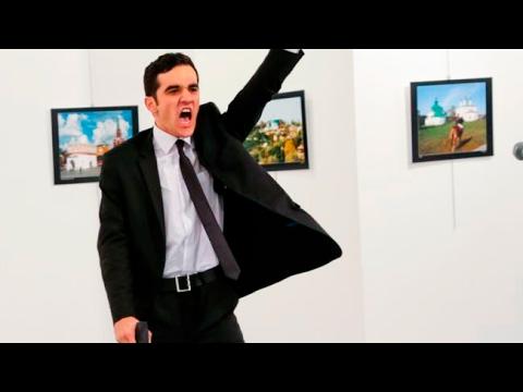 Фото убийцы посла России получил премию World Press Photo