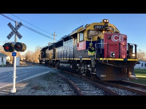 Cincinnati East Terminal Railway Switching Rail Cars On Shor