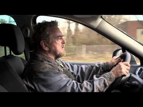 Klip fra Mennesker bliver spist: Herluf prøvekører bil