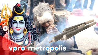 Making a joint for God Shiva in Nepal
