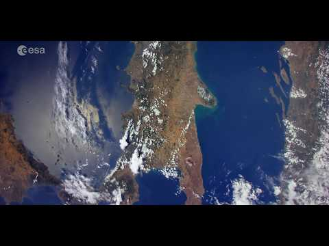 Earth From Space: All the beauty of Italy from the Space Station (4x Slower)