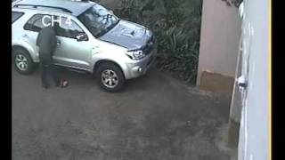 Repeat youtube video Toyota Fortuner Stolen CCTV Footage