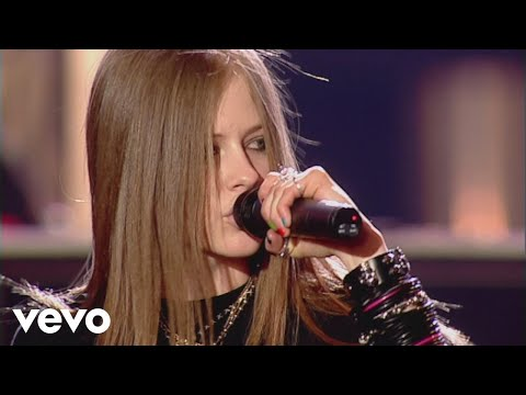 Avril Lavigne - Sk8er Boi (Live at the BRIT Awards 2003)