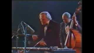 1983 Bern (Ch) Peter Appleyard, Hank Jones, Slam Stewart - Tin Roof Blues, themes, Hamp´s Boogie