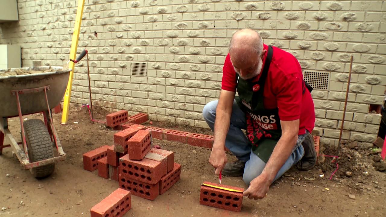 D I Y Brick Planter Box D I Y At Bunnings Youtube
