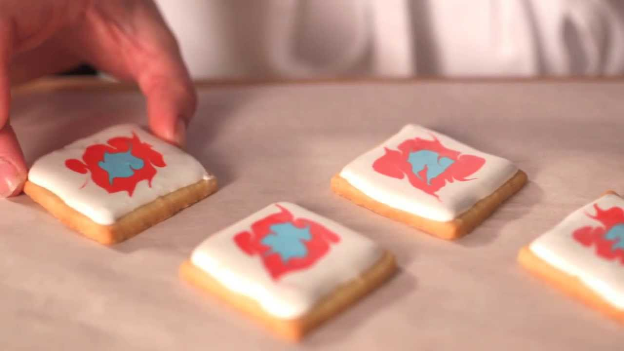 How-To Fill and Decorate the Ikat Cookie