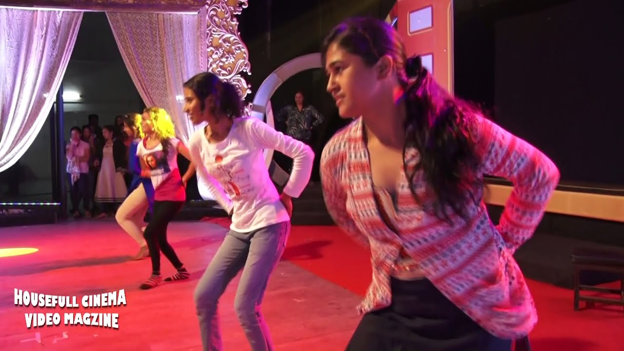 Download Lavni rehearsal | Lal Paihtani |Chitrakarmi Puraskar 2017 with Choreographer Swati Dhokte.