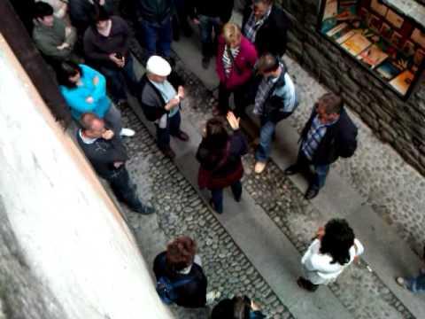 German tour guide on Via Vitani